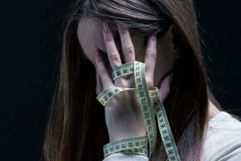 Die Therapie zielt darauf ab, die falschen Schuldzuweisungen des Patienten zu korrigieren