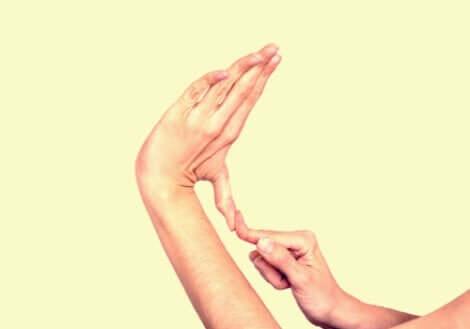 Menschen, die unter dem Ehlers-Danlos-Syndrom leiden, sind unglaublich flexibel