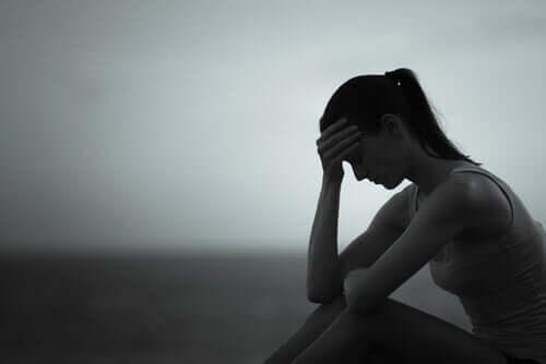 Der emotionale Schmerz nach einer Trennung ist abhängig vom Grad der Beziehung