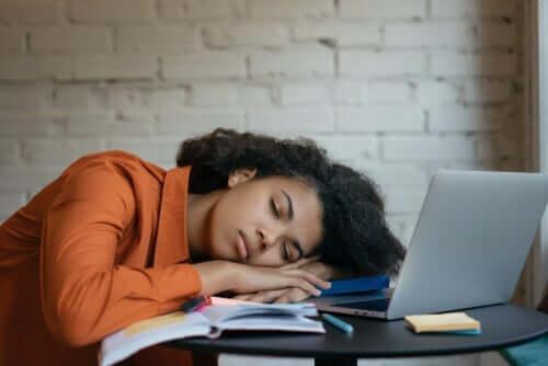Hypersomnie - Extreme Müdigkeit oder Schlafsucht
