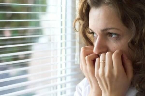 Woran erkenne ich eine Agoraphobie?