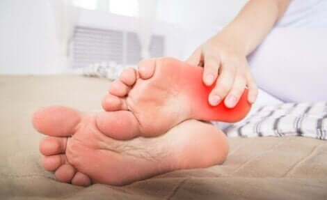 Burning-Feet-Syndrom - gerötete Füße