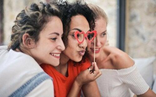 ohne Freunde - drei Freundinnen