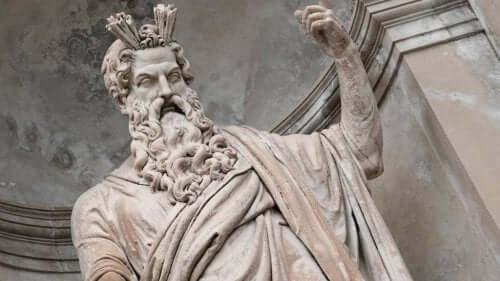 Mythos von Asklepios - Statue von Zeus