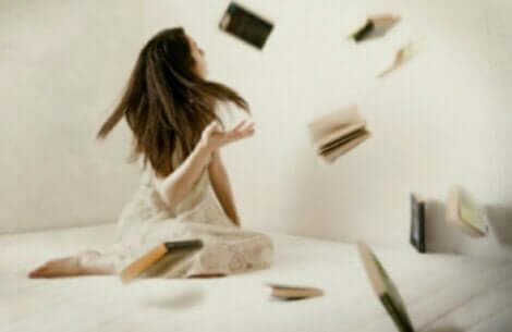Telekinese - fliegende Bücher
