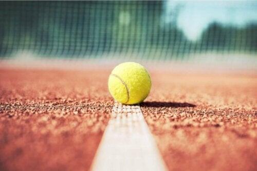 Tennis-Psychologie - Ball auf der Linie