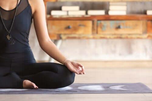 Drei Meditationsübungen, die du zuhause praktizieren kannst