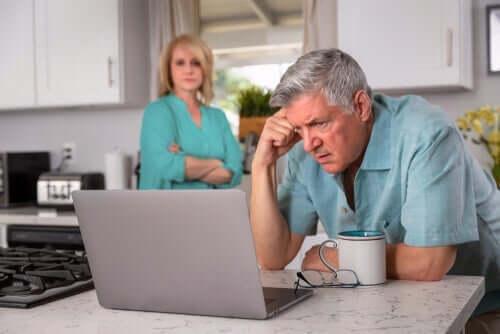 Die psychologischen Auswirkungen von Langzeitarbeitslosigkeit