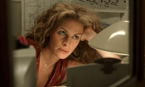 Erin arbeitet als schlecht bezahlte Angestellte in einer Anwaltskanzlei