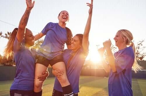 """Sport und Frauen: Die """"Gläserne Decke"""" ist sichtbarer denn je"""
