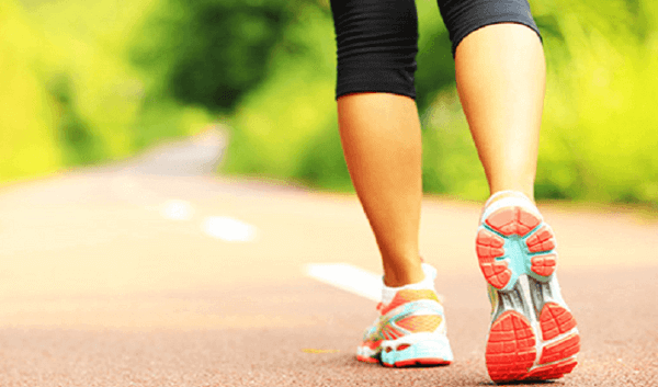 Sport und Frauen - Frau beim Laufen
