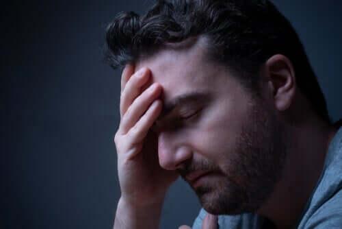 toxische Beziehung - trauriger Mann
