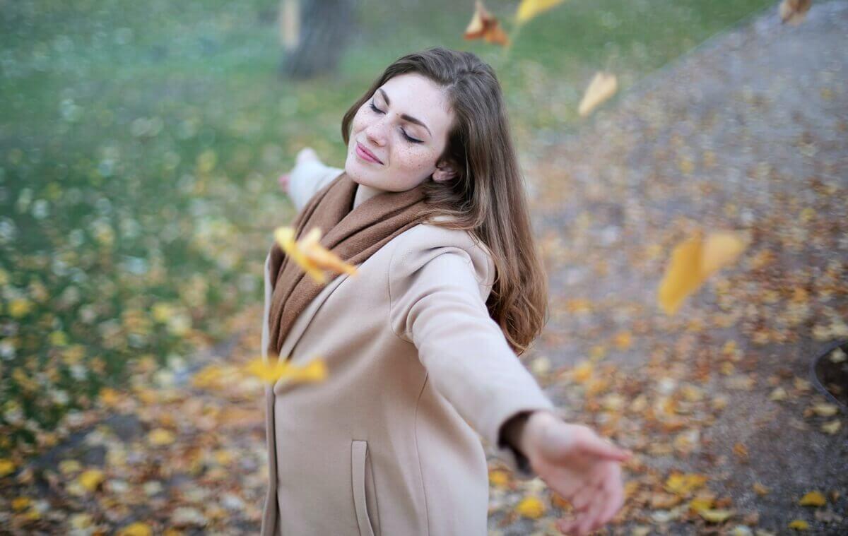 Definition von Stärke - glückliche Frau