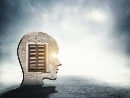 Zusammenhang mit Angst - Bild von Kopf mit einer Tür darin