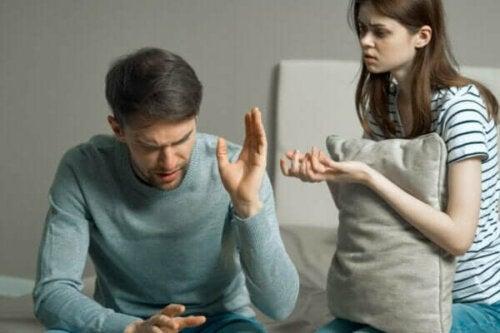 Feindseligkeit in einer Beziehung ist der Anfang vom Ende