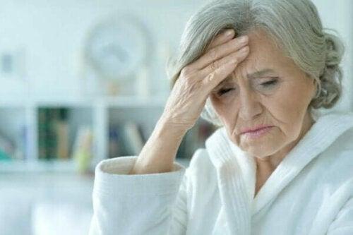 Akute Verwirrtheit: Symptome, Arten und Behandlung