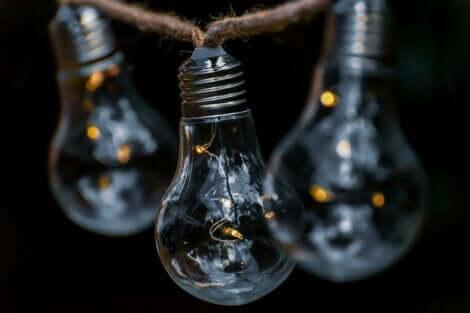 Adaptive Intelligenz - Glühbirnen