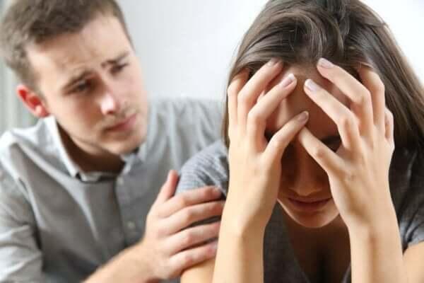 angegriffen und beleidigt - Paar