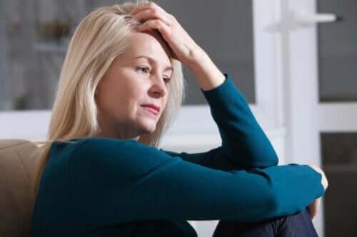 Eine Frau, die sich gestresst fühlt