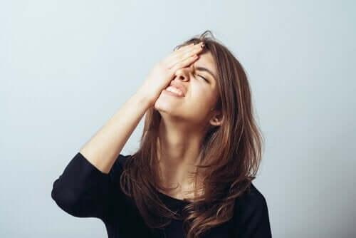 Zeit für eine Pause - gestresste Frau