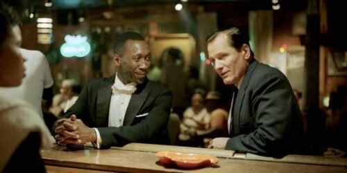 Don und Tony in einer Bar