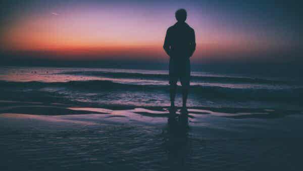 Verlust eines geliebten Menschen - Mann am Meer