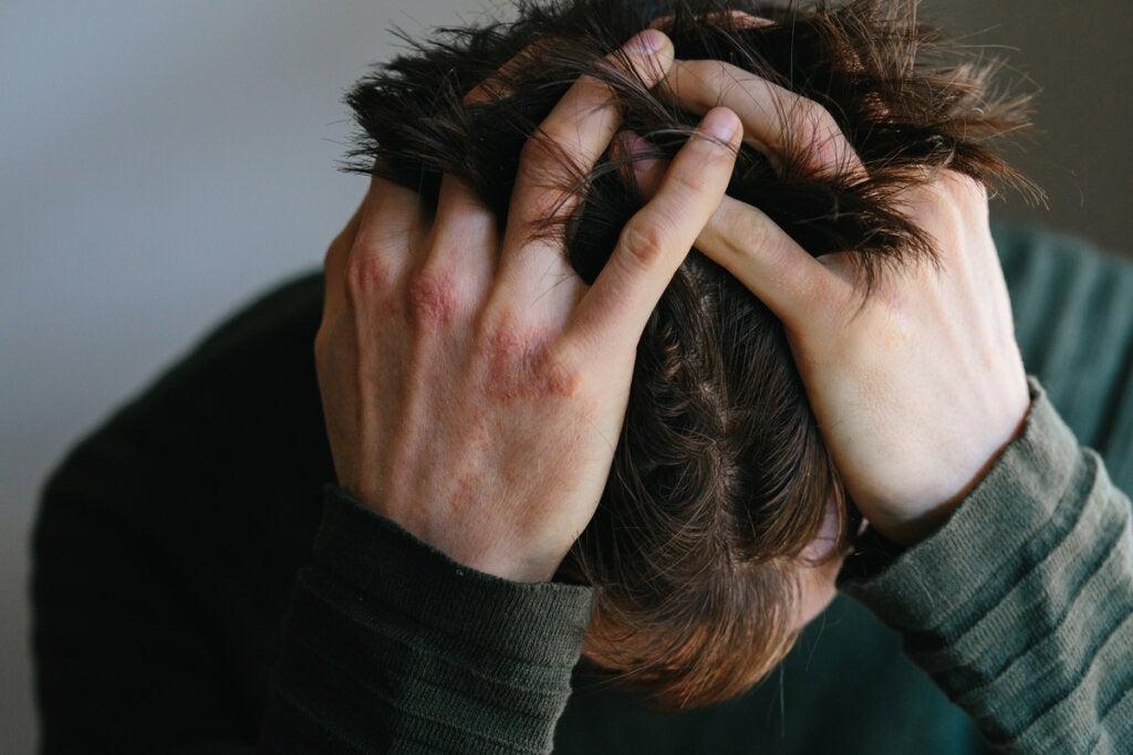 Der Zusammenhang zwischen Wut und körperlichem Schmerz