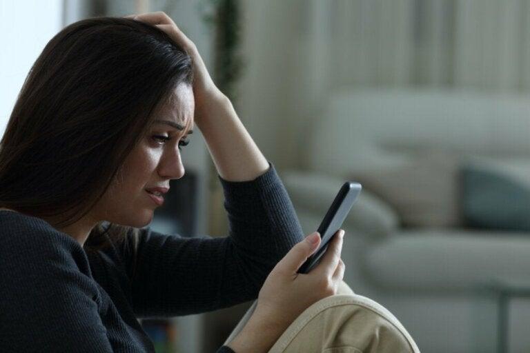 WhatsApp öffnet Tür und Tor für Missbrauch: Das solltest du wissen!