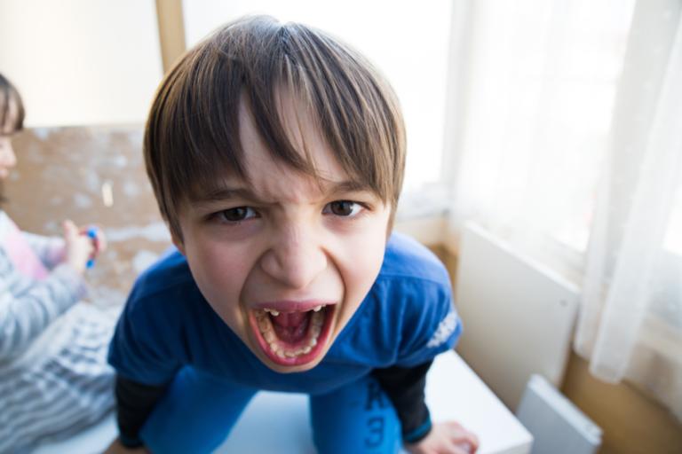 Was tun, wenn Kinder wütend und bockig werden?