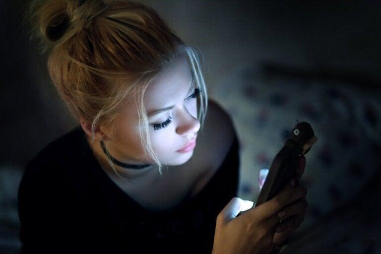 Digitale Untreue: virtuelles Fremdgehen mit Folgen