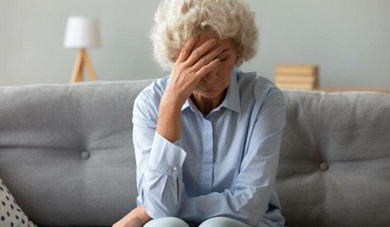 Geschlechtsspezifische Gewalt im Alter: Was tun?