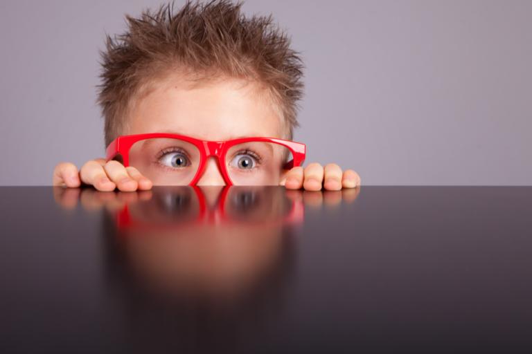 Die Wissenschaft bestätigt: Kinder nehmen Reize wahr, die Erwachsene nicht bemerken